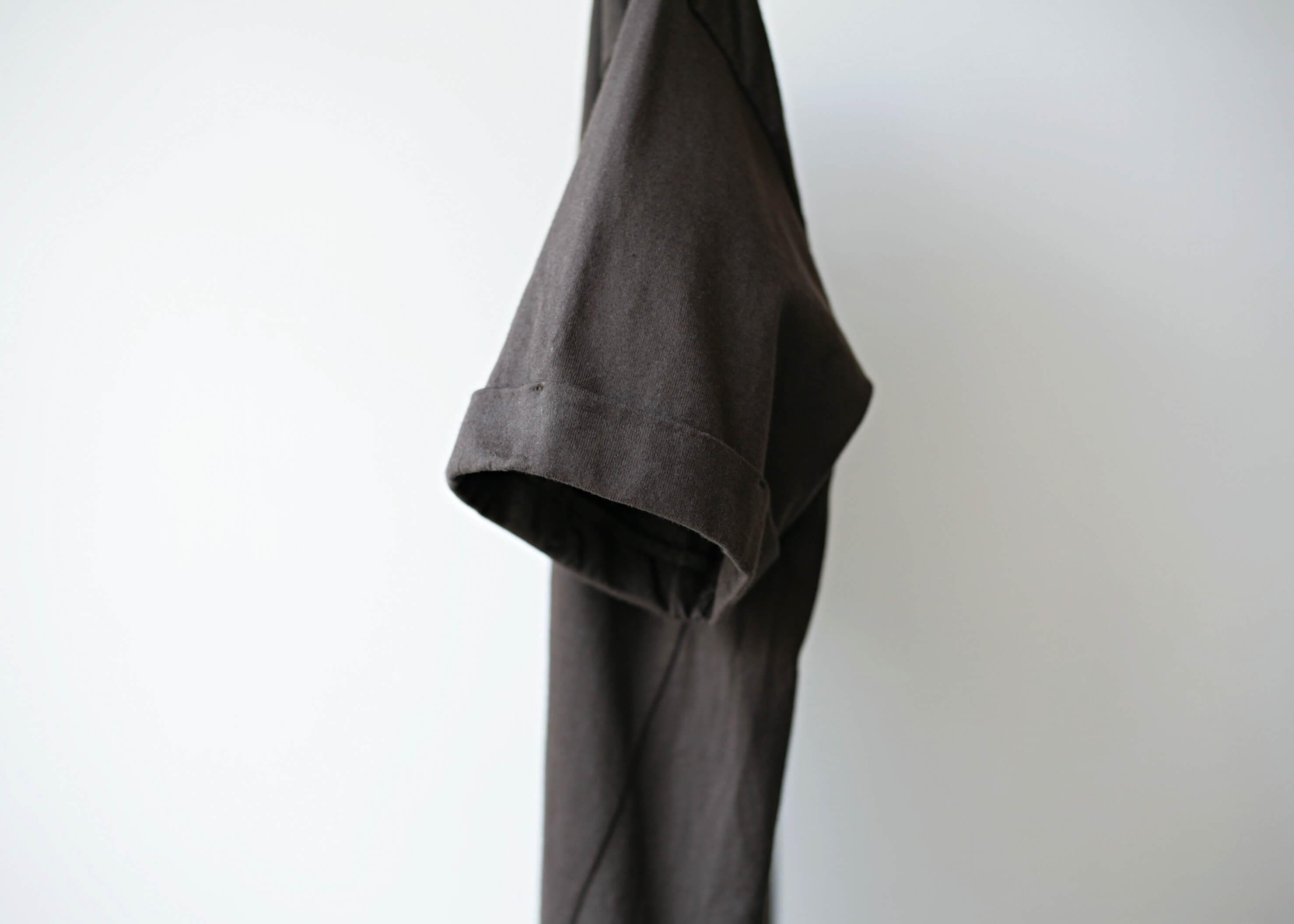 ドゥルカマラ バルーンT brown 袖部分アップ