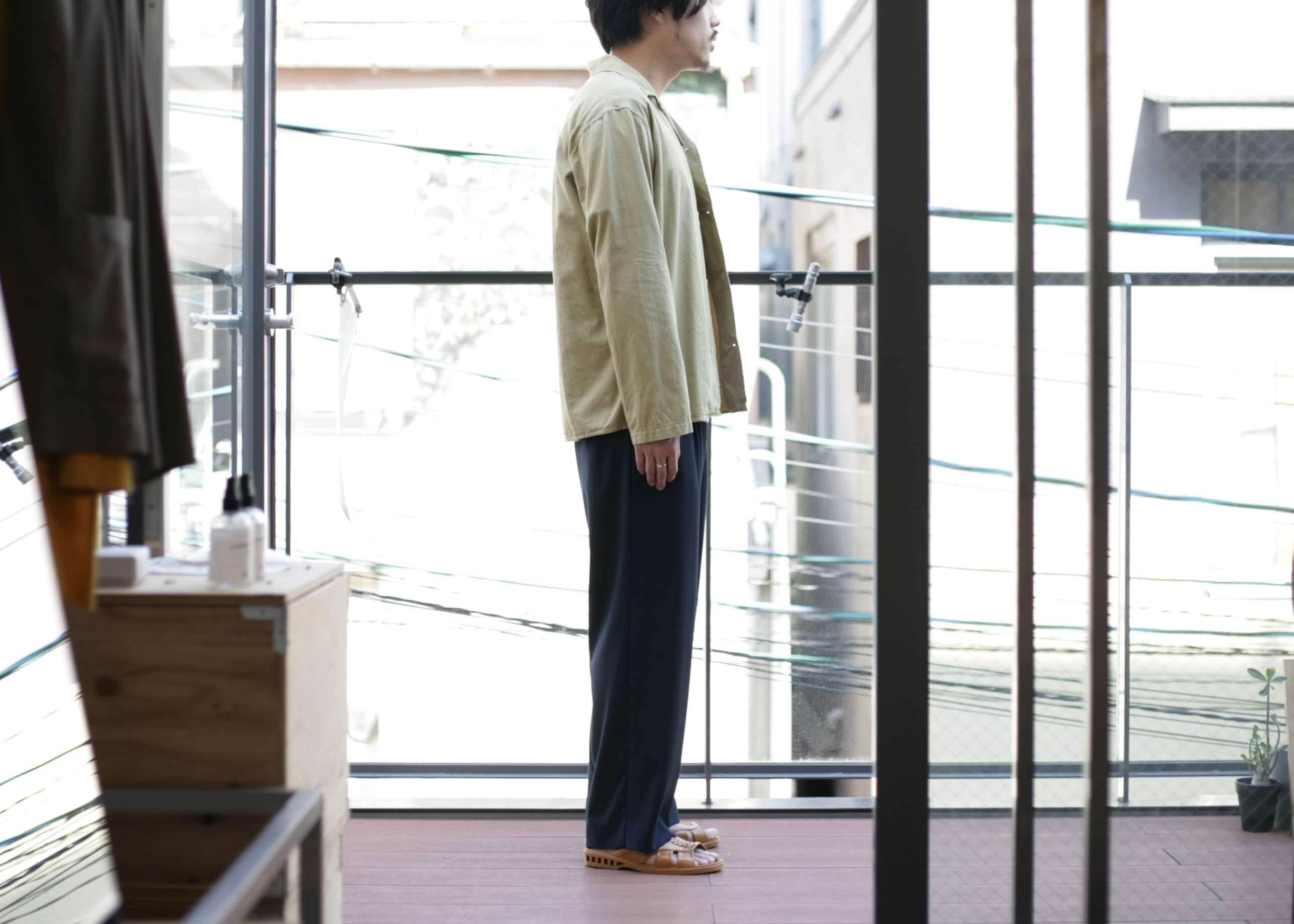 bunt - L/S open collar shirts 横からのスタイル