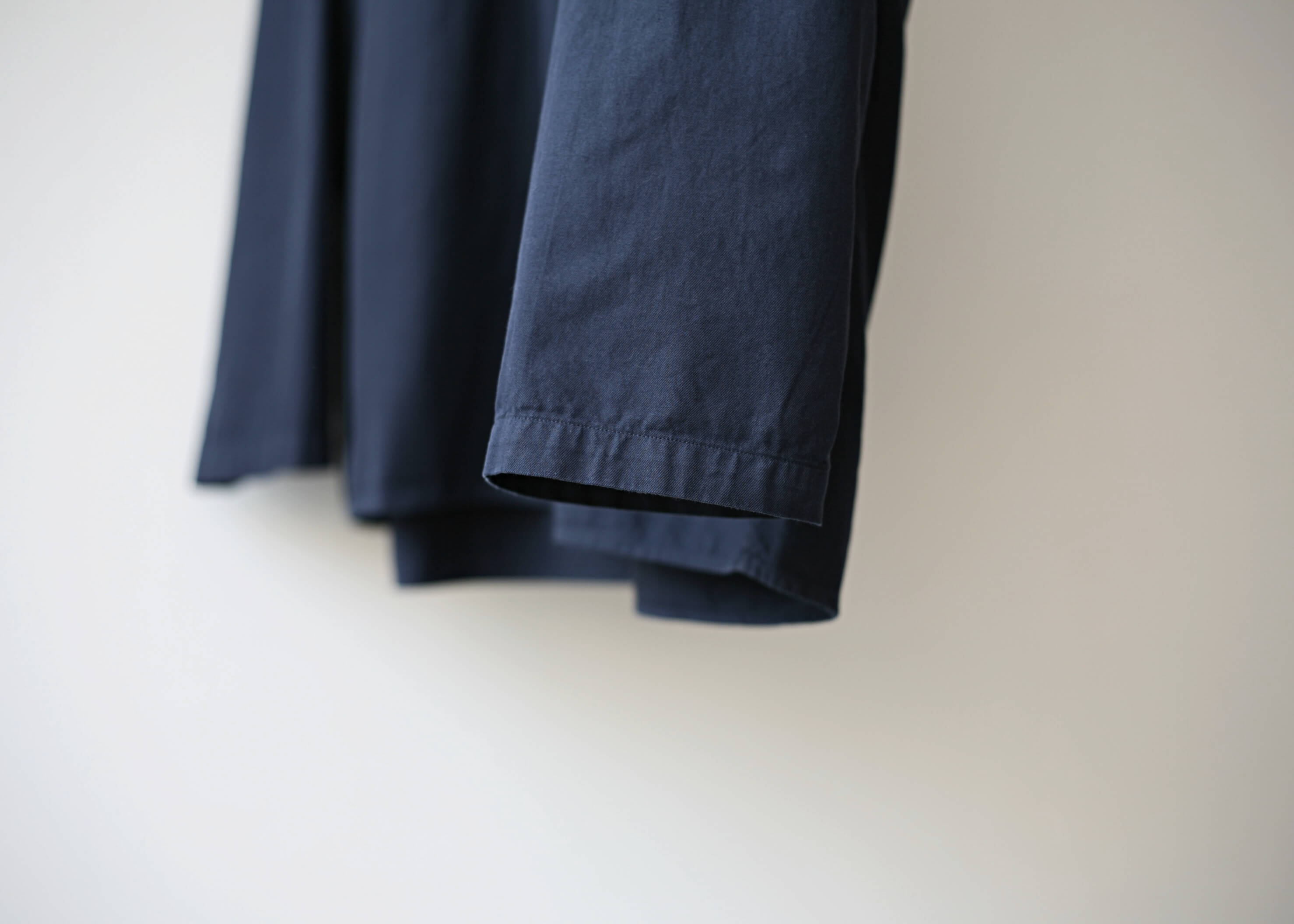 bunt skipper shirts navy 袖のアップ
