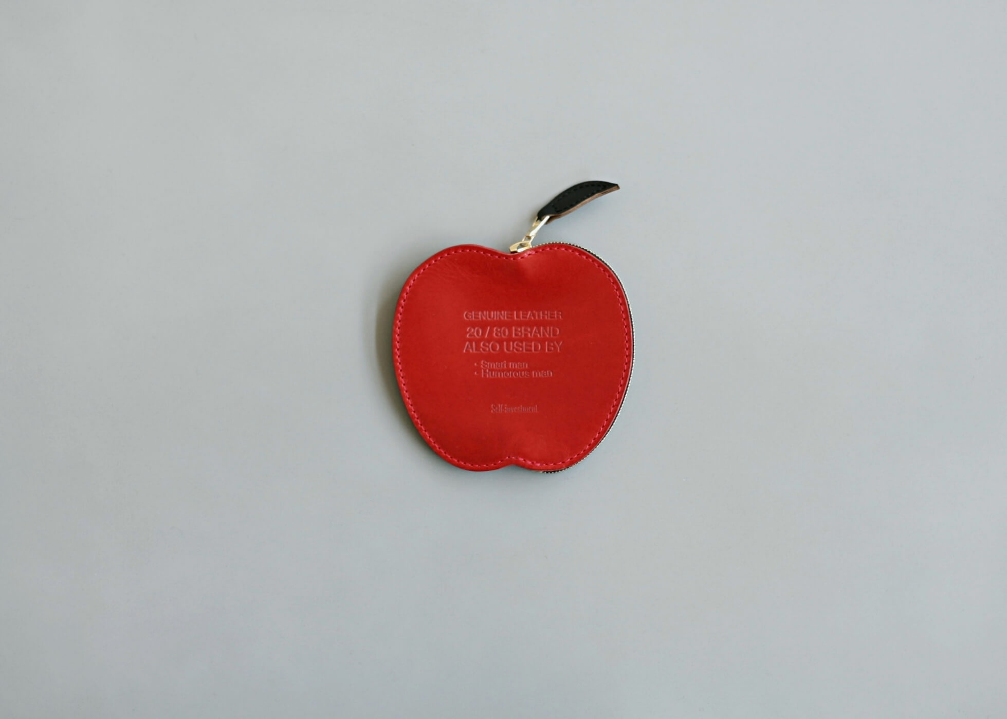 20/80 kip leather apple coin purse 表の写真
