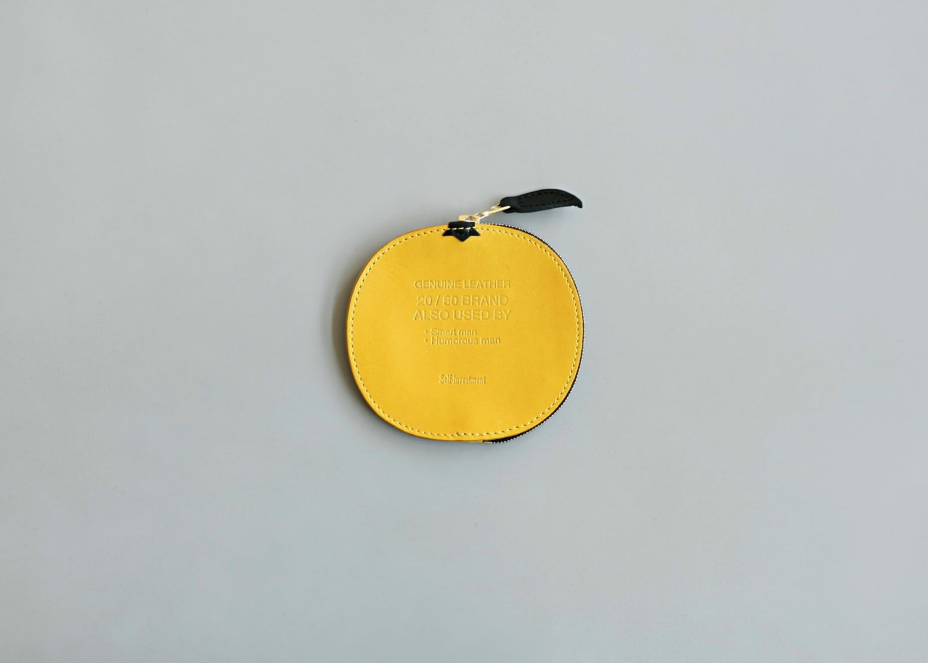 20/80 kip leather grapefruit coin purse 正面の写真