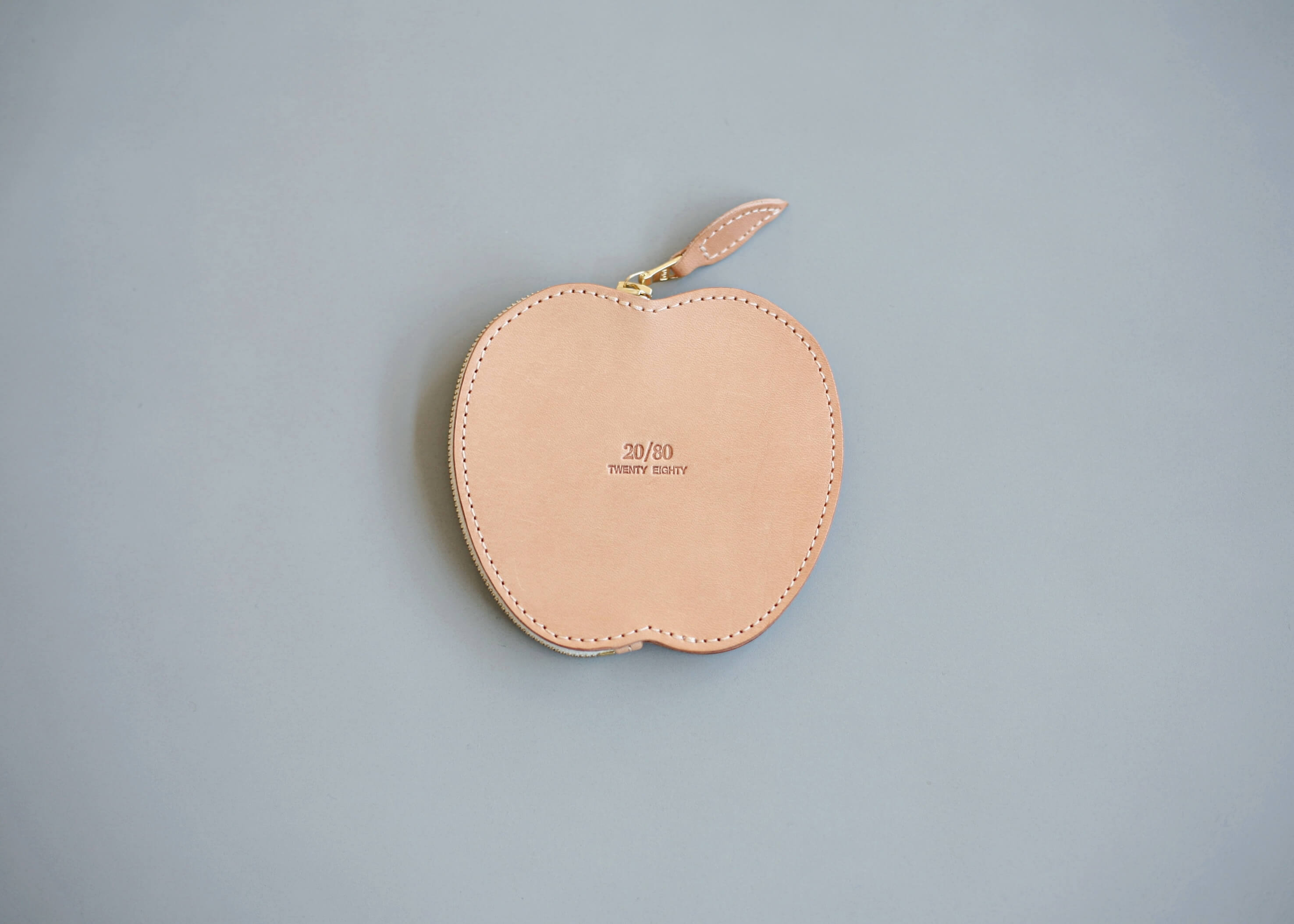 20/80 tochigi leather apple coin purse 裏の写真