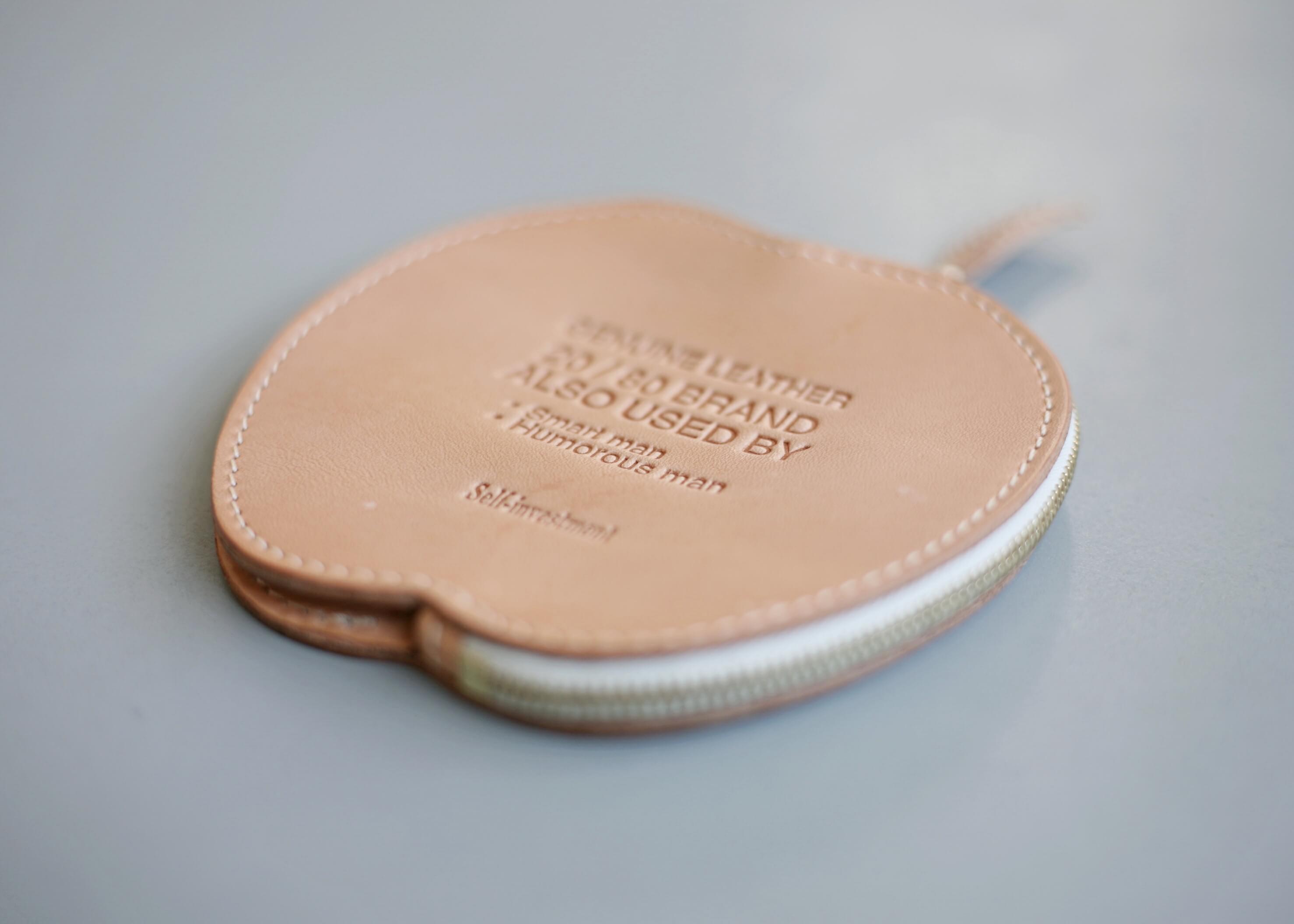 20/80 tochigi leather apple coin purse アップの写真