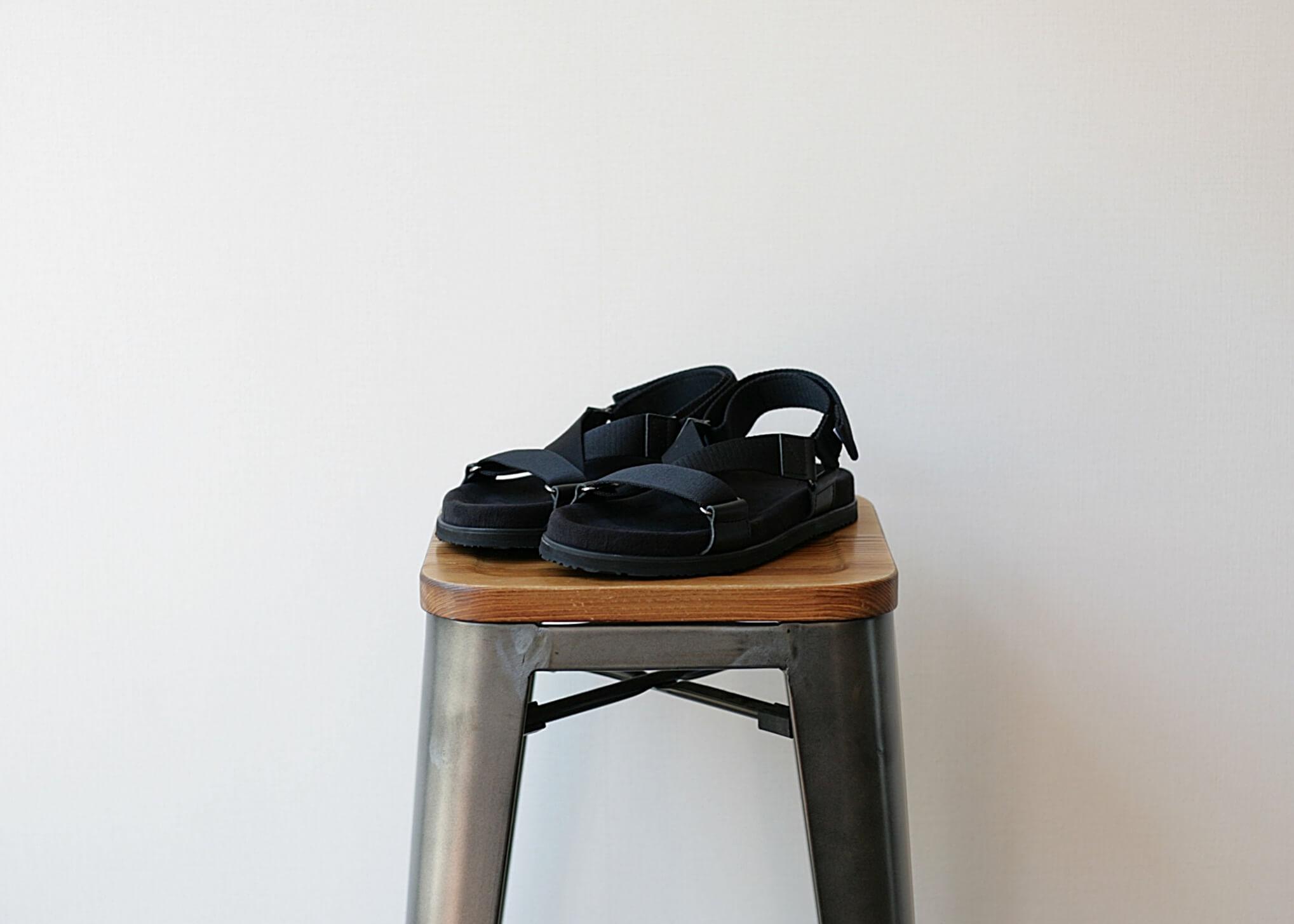 double foot wear becの斜めからの写真