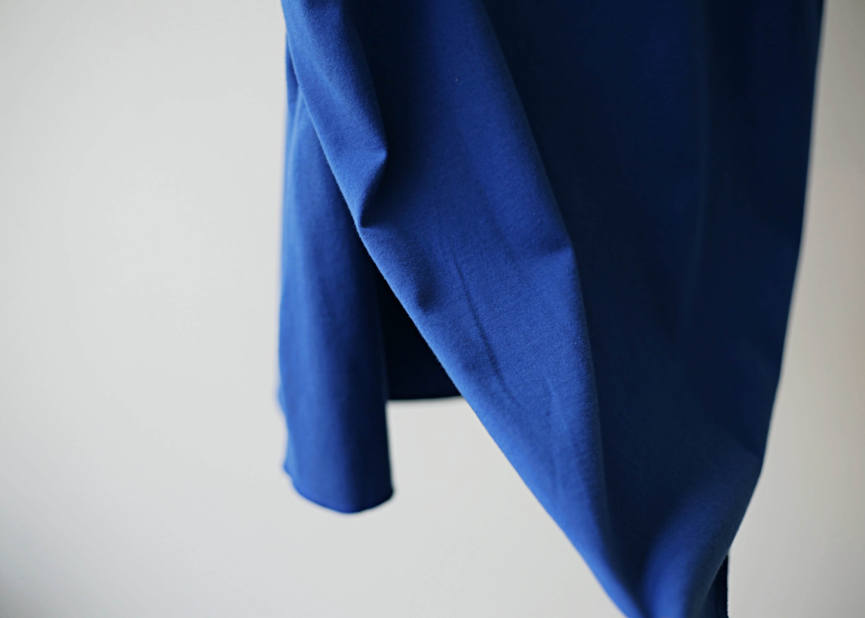 thee apron s/s blueの後ろ部分のアップ