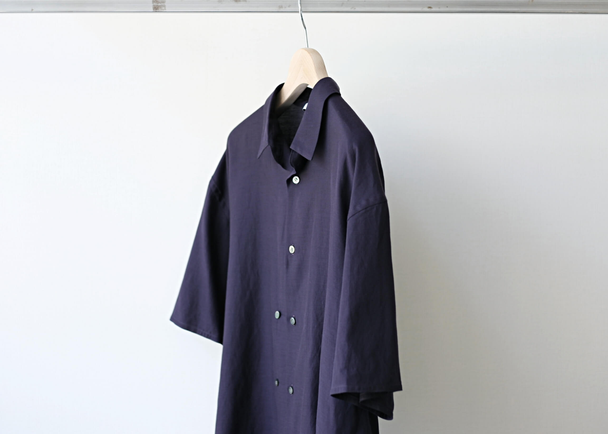 THEE double-buttoned short sleeve shirts purple 横アップ