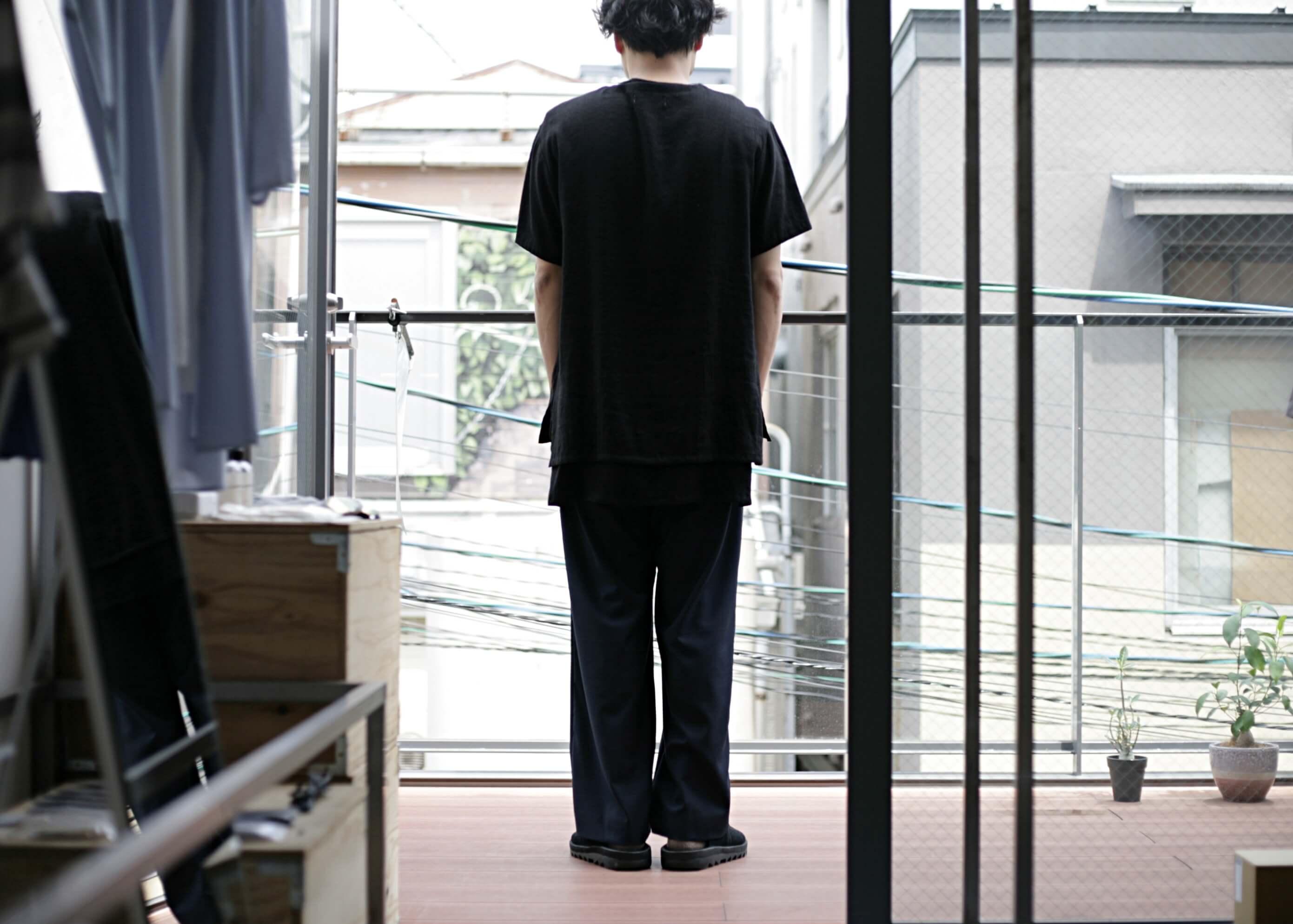 thee linen tee black 着用(後)
