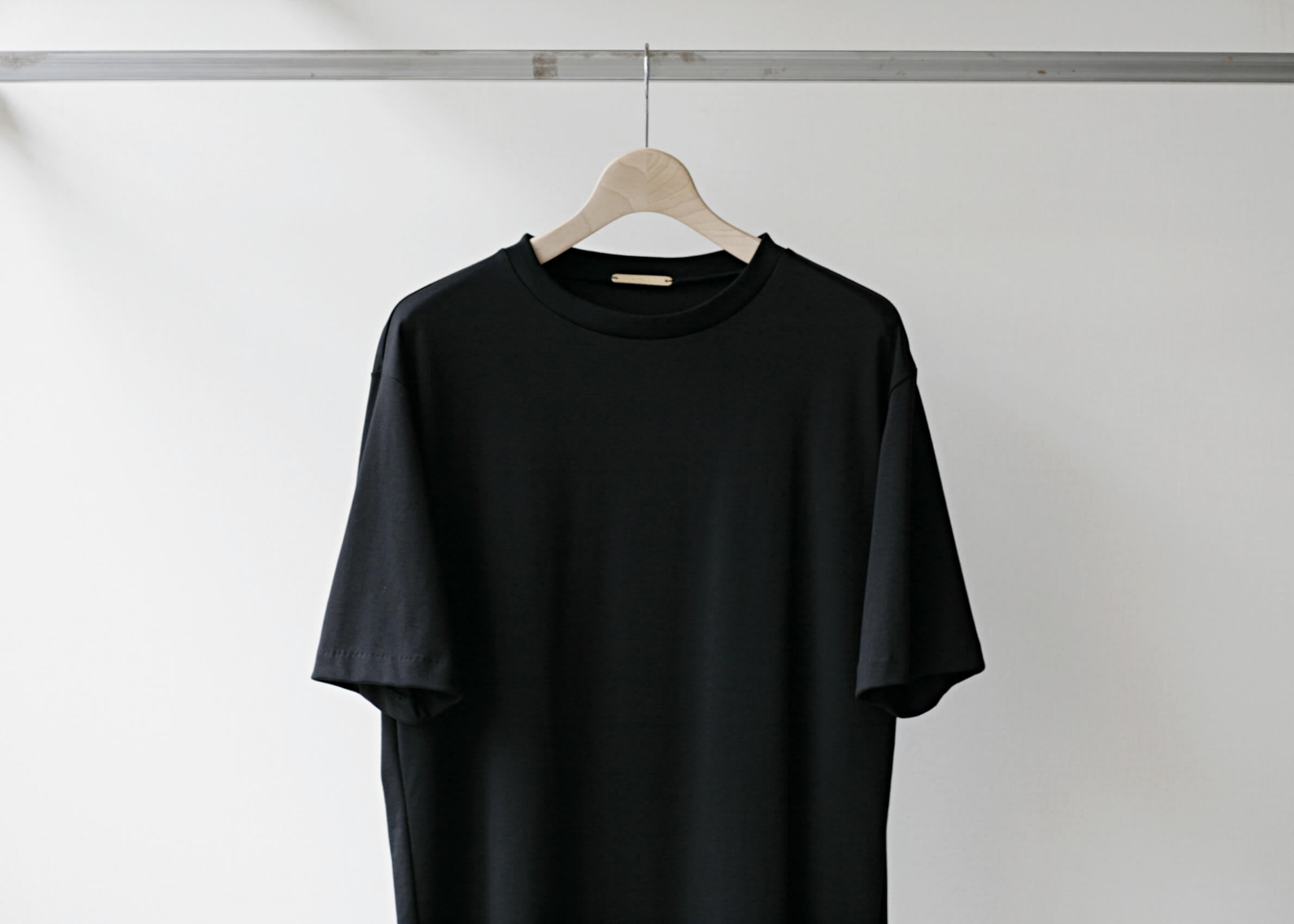 lamond suvin cotton s/s black 正面上半身アップ