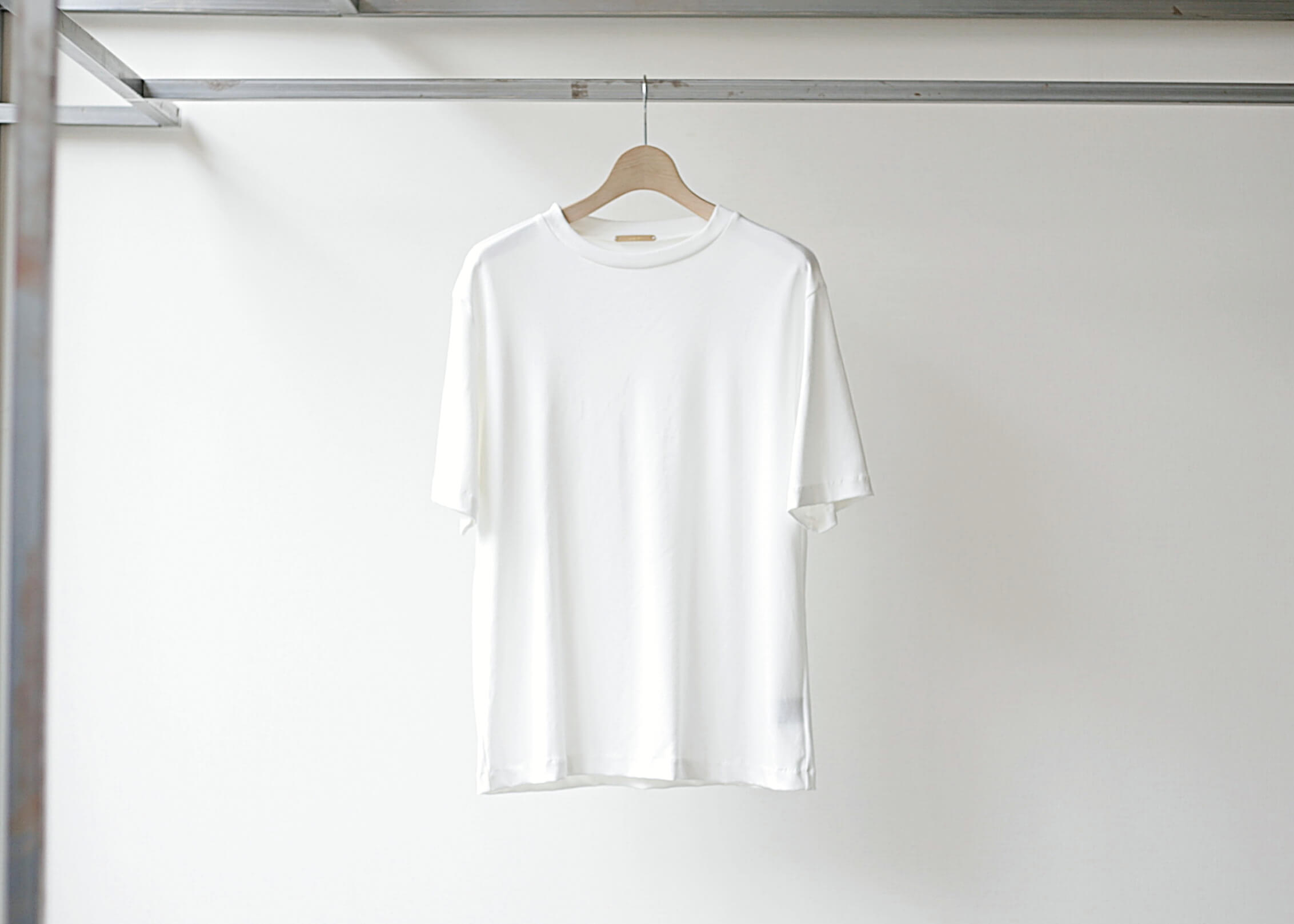lamond suvin cotton s/s white 正面