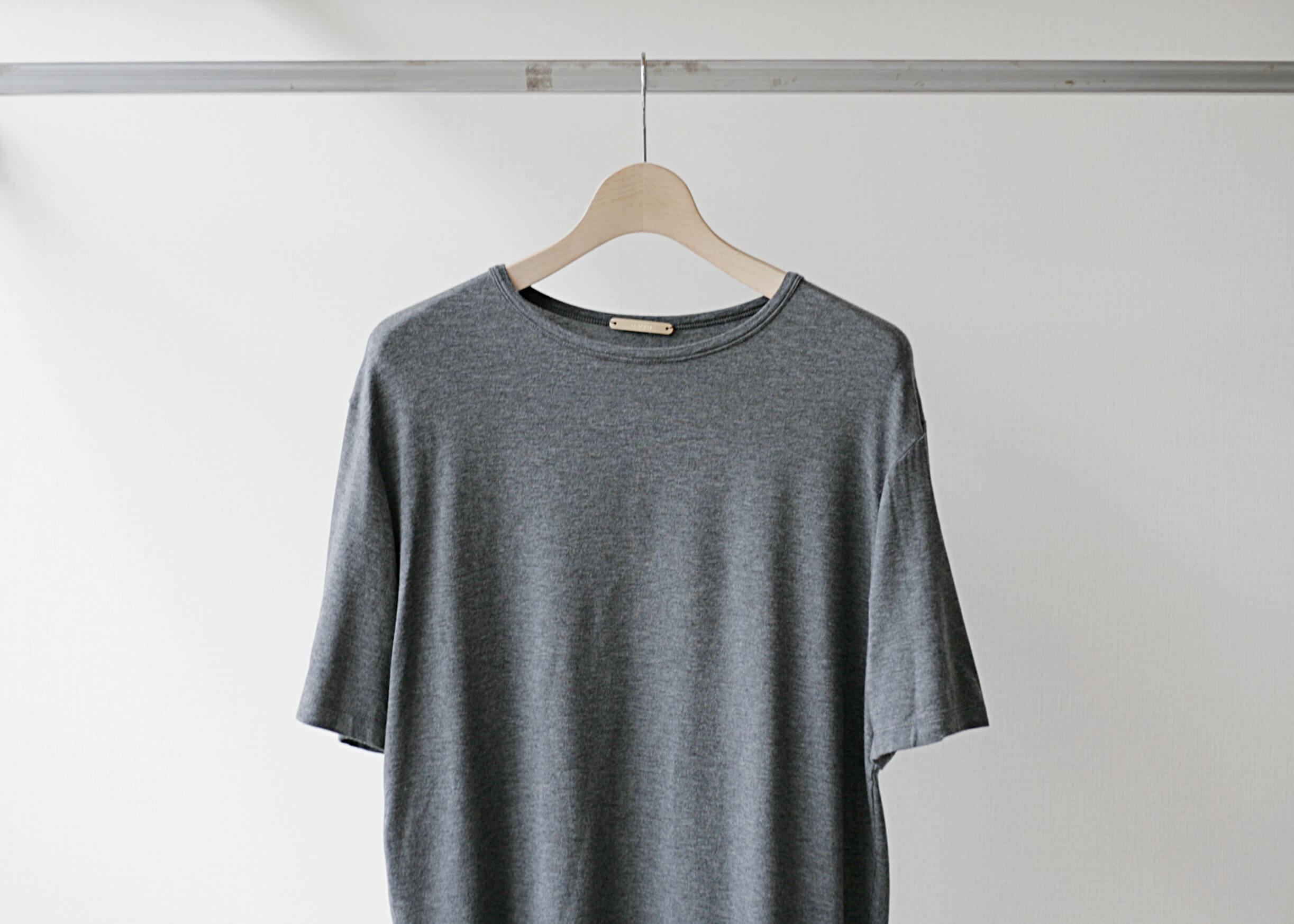 lamond tencel washable s/s gray 正面上半身アップ