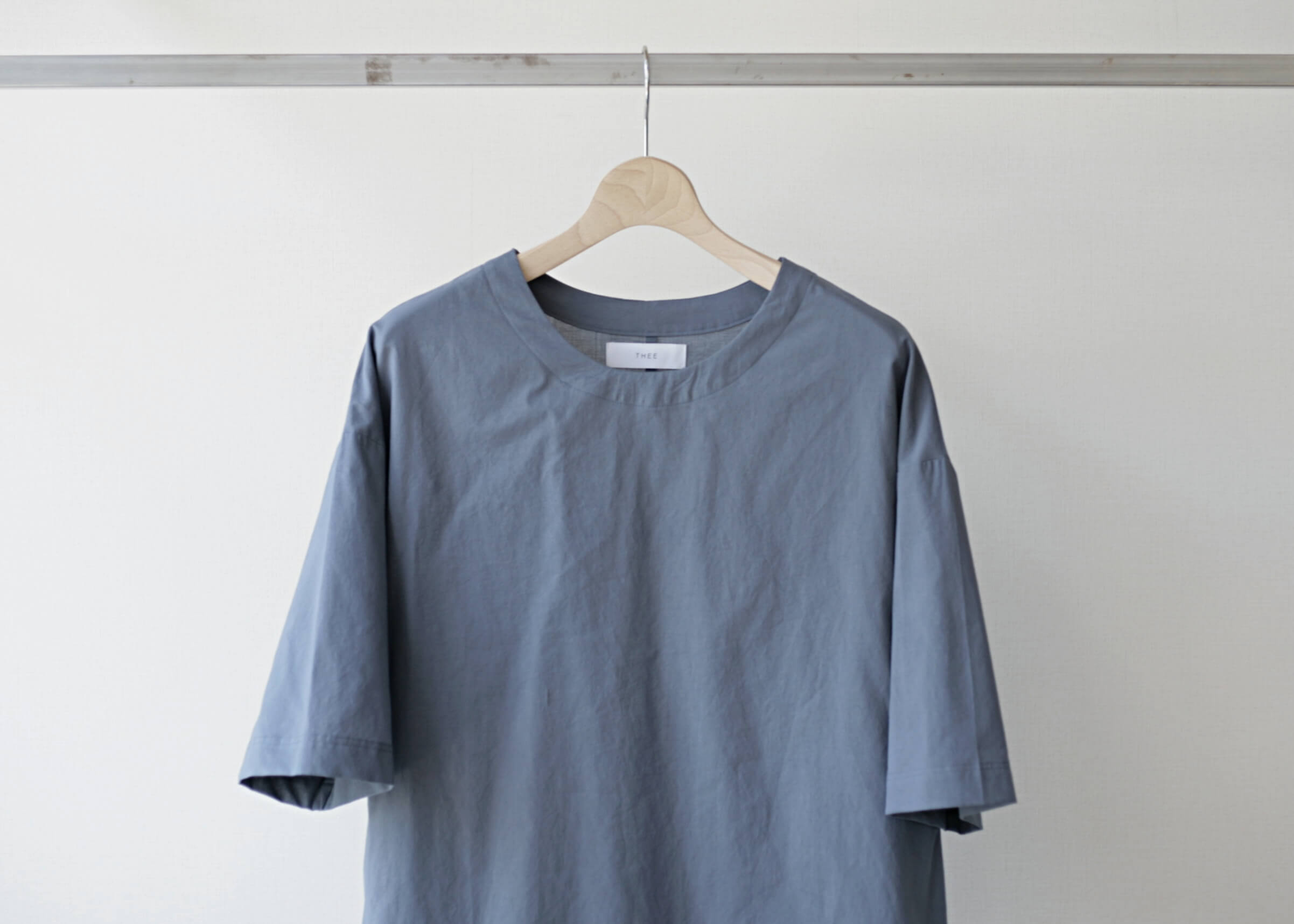 thee oversize tee bluegray 前アップ